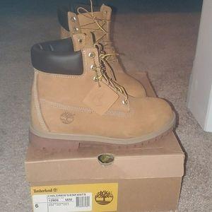 Timberland warerproof boots size 6